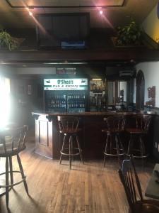 O'Sheas Pub and Eatery